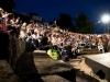 Teatro Romano 2009, gradinate del teatro di notte con spettatori